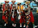 Clown musiciens rues  carnaval  défilé populaire